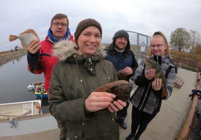 Teaduslik lestapüük Nõva rannas koos ajakirjaniku ja õpilasteadlasega